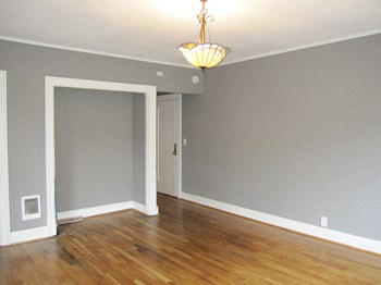 130 NW 19th Ave Studio Apartment for Rent Photo Gallery 1