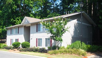 3201 Sunrise Village Ln. 1-3 Beds Apartment for Rent Photo Gallery 1