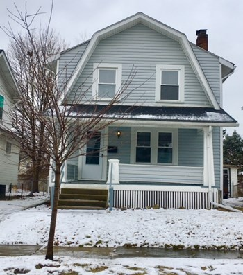 491 Townsend Ave 3 Beds House for Rent Photo Gallery 1