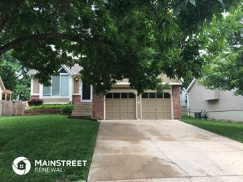 6426 Chouteau St 3 Beds House for Rent Photo Gallery 1