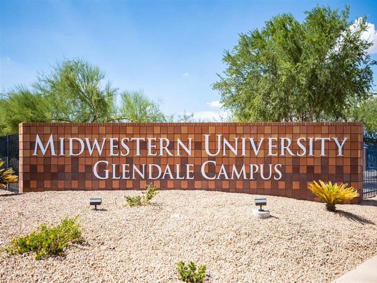 midwestern university glendale campus sign