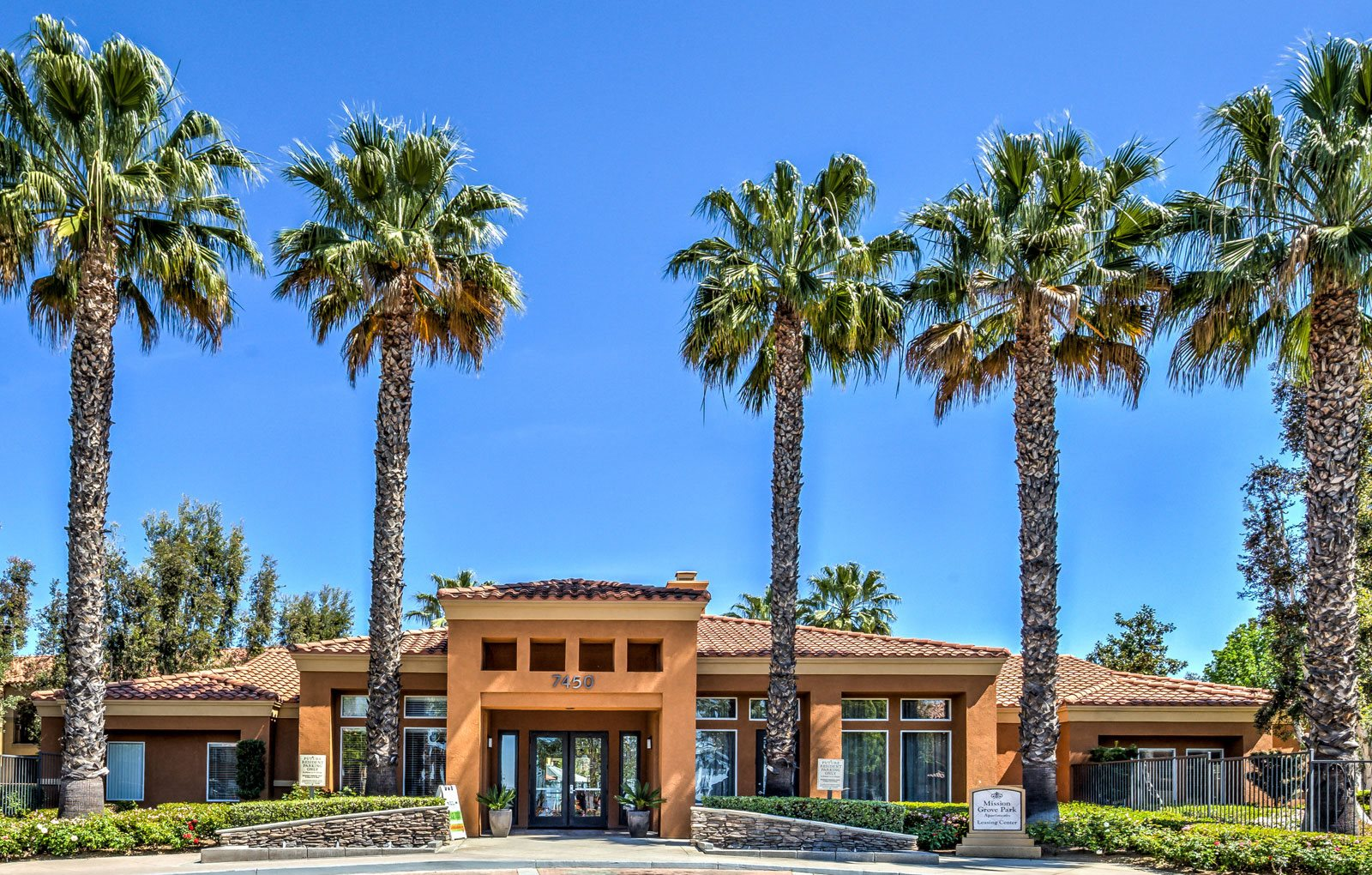 Riverside CA Apartments in Orange Crest | Mission Grove