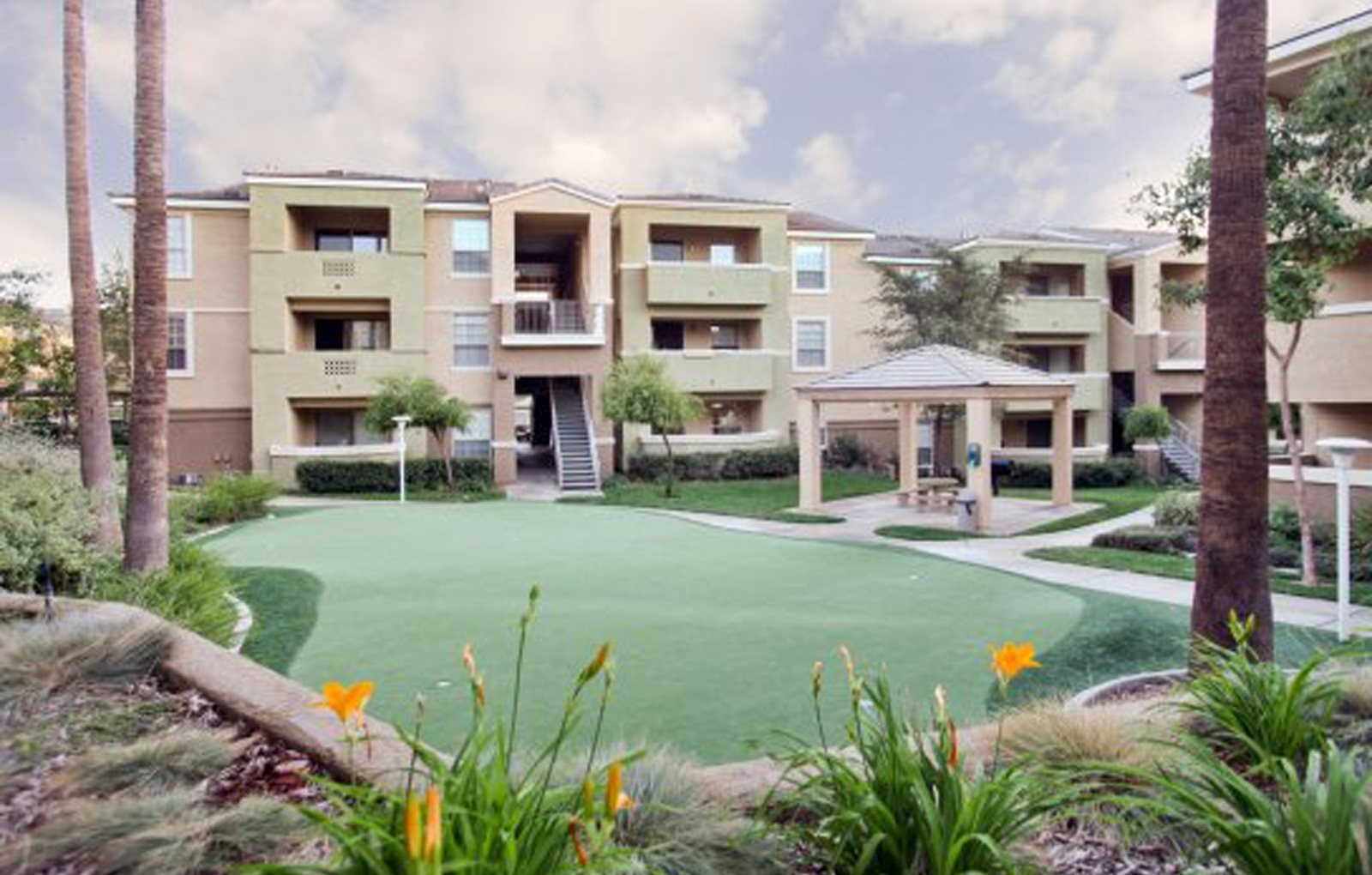 Riverside, CA Apartments | Stone Canyon Apartments