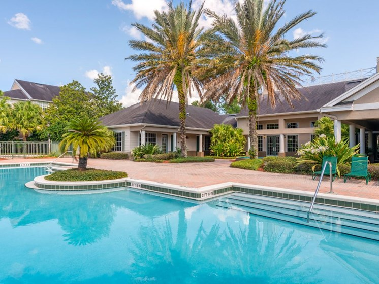 Windchase Apartments | Swimming Pool