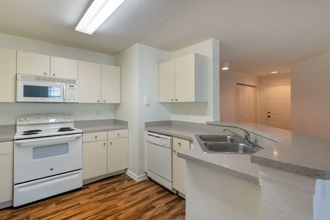 Windchase Apartments   Kitchen/Dining Room
