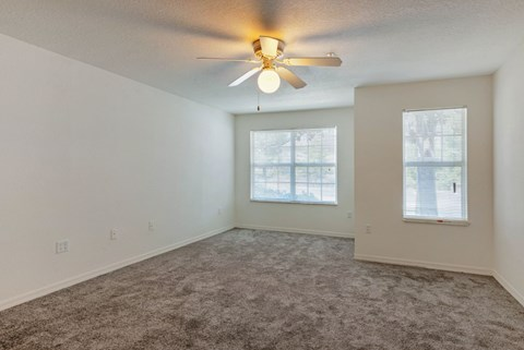 Windchase Apartments   Living Room