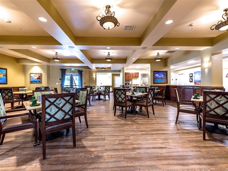 Spacious Community Dining Room at Pacifica Senior Living Oxnard, Oxnard