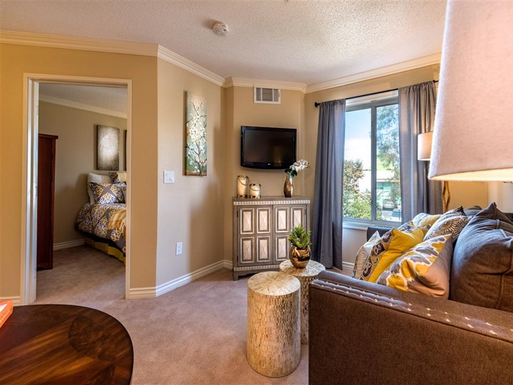 Comfortable Living Room Spaces at Pacifica Senior Living Oxnard, Oxnard, CA, 93036