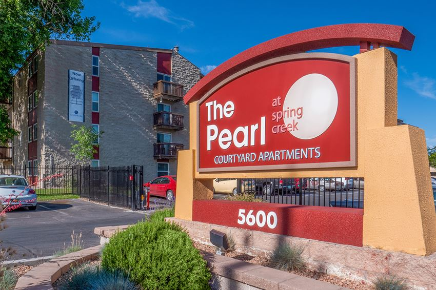 The Pearl at Spring Creek Monument Sign