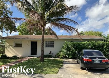 4050 SW 58Th Ave 3 Beds House for Rent Photo Gallery 1