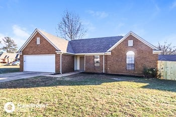 5921 Pecan Trace 3 Beds House for Rent Photo Gallery 1