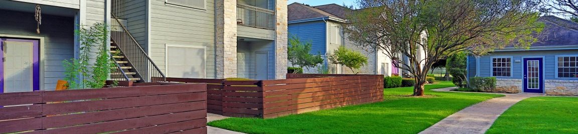 Beautiful Courtyard With Walking Paths at Saddle Creek & The Cove, Texas, 78748