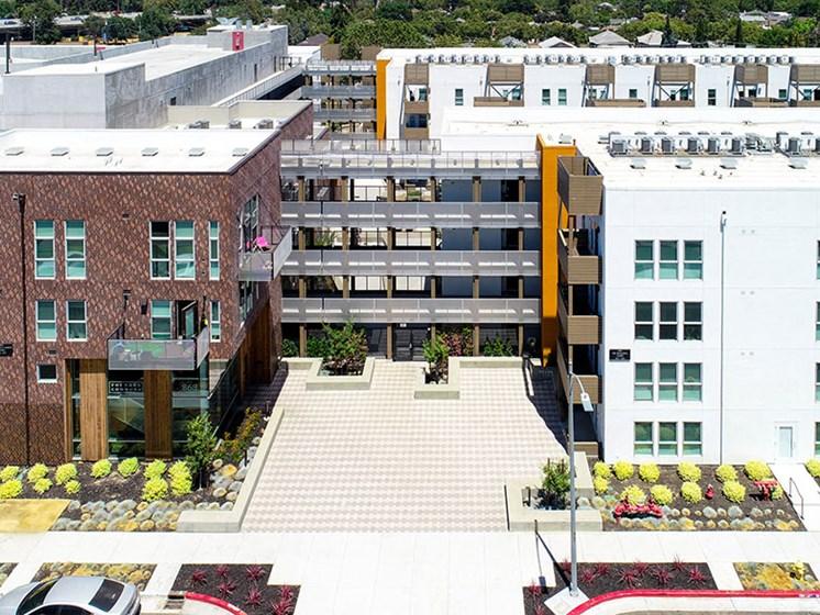 Birdseye view of property building