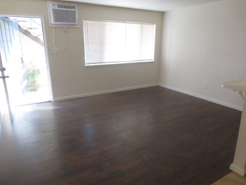 419 West Flora Street 1-2 Beds Apartment for Rent Photo Gallery 1
