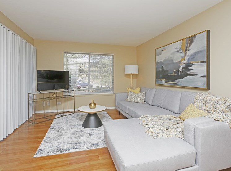 Magnolia 2Bed 2Bath Living Room 965 s.f.