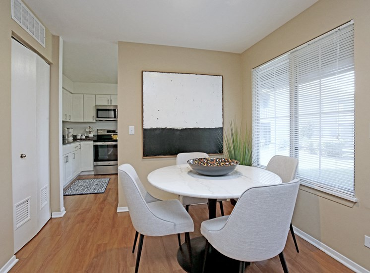 Magnolia 2Bed 2Bath Dining Room 965 s.f.