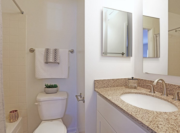 Magnolia 2Bed 2Bath Bathroom 965 s.f.