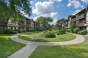 6715 Lake Shore Dr 1-3 Beds Apartment for Rent Photo Gallery 1