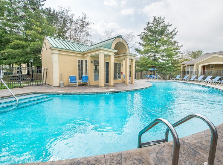 Steeplechase Apartments in Knoxville, TN sparkling pool