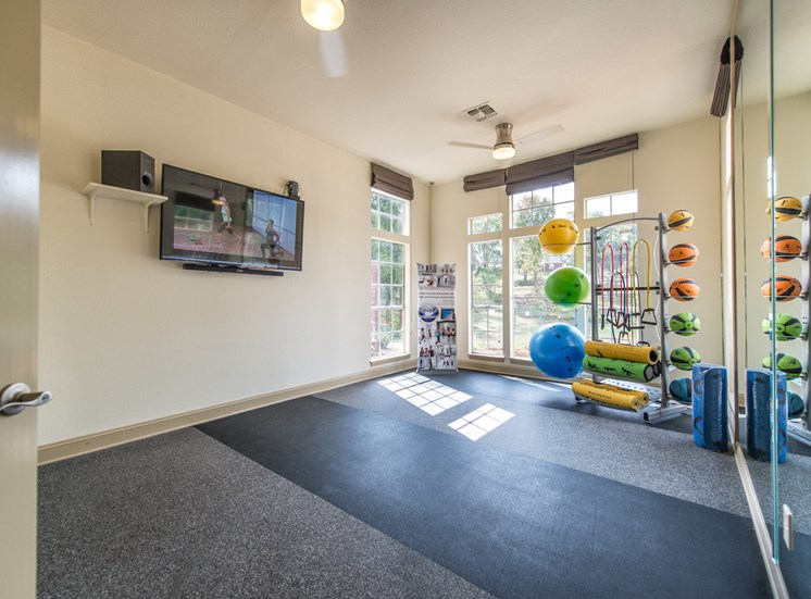Steeplechase apartments in knoxville, TN fitness studio tv
