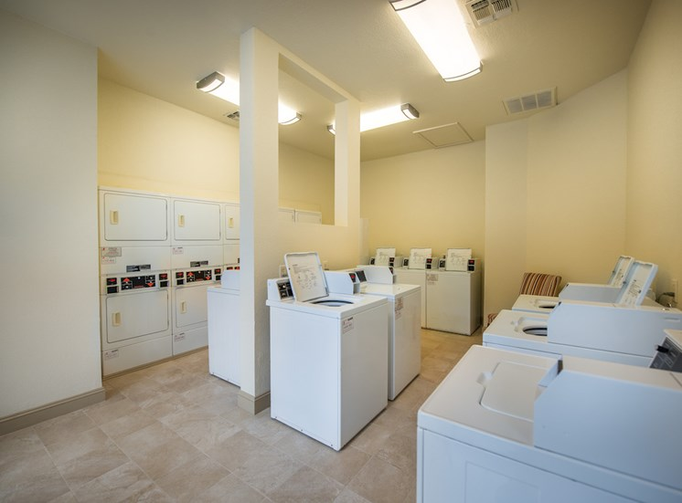 Steeplechase apartments in knoxville, TN laundry center