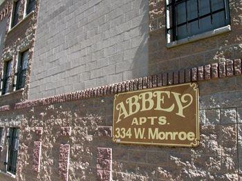 334 West Monroe Street Studio Apartment for Rent Photo Gallery 1