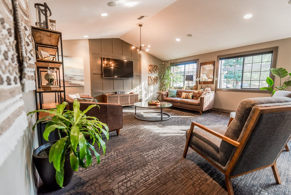 Tacoma Apartments - The Lodge at Madrona Apartments - Clubhouse