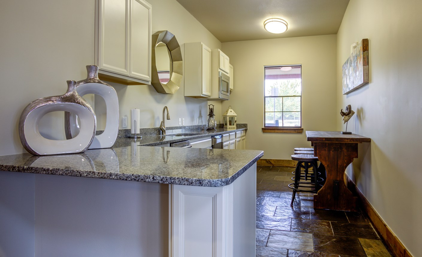 Clubhouse Kitchen at The Ranch at Pinnacle Point Apartments in Rogers, AR