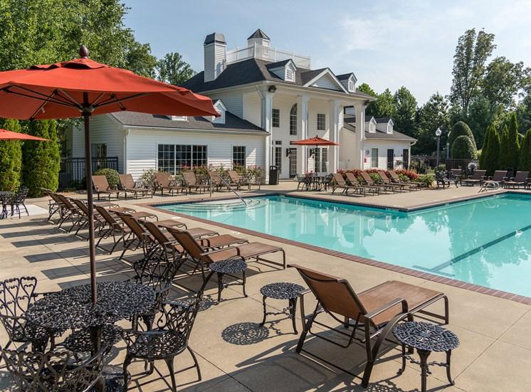 Swift Creek Commons Apartments - Resort-style swimming pool