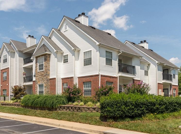 Swift Creek Commons Apartments - Exterior building