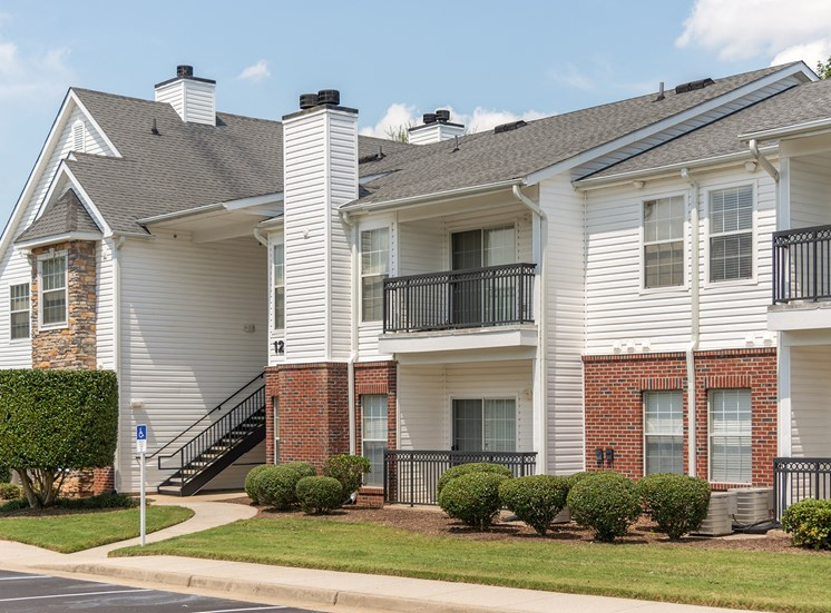 Swift Creek Commons Apartments - Exterior building with patios or balconies