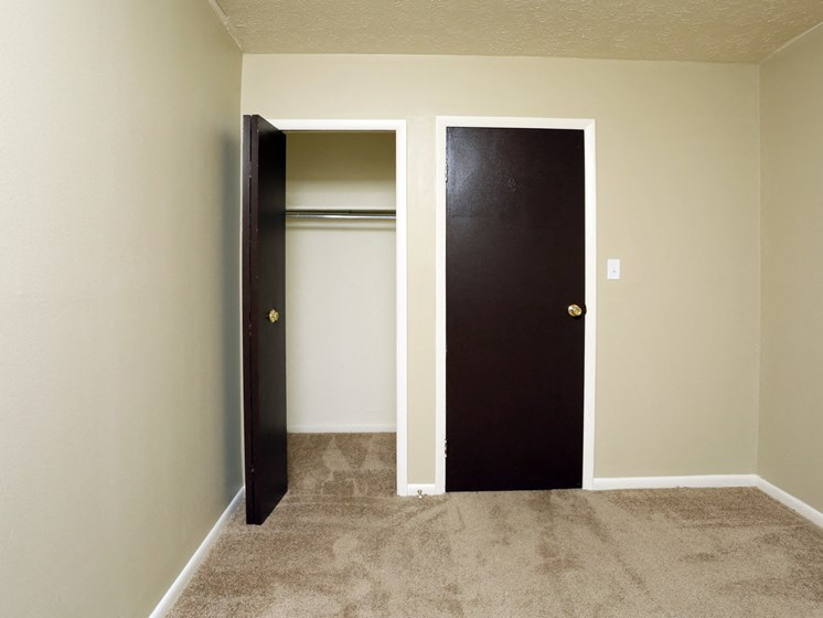 Apartments in Bedford Heights Closet