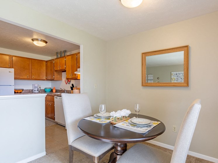Apartments in Bedford Heights Dining Area