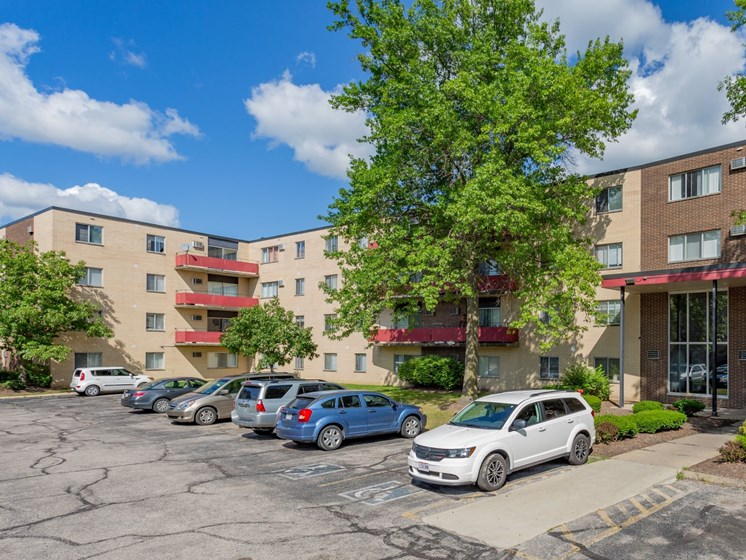 Apartments in Bedford Heights Parking