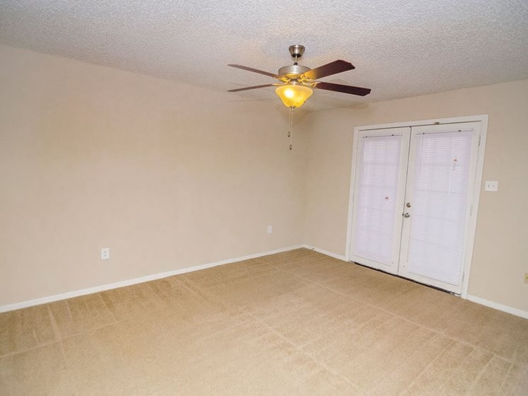 Living/ Dining Room in Baton Rouge Apartments