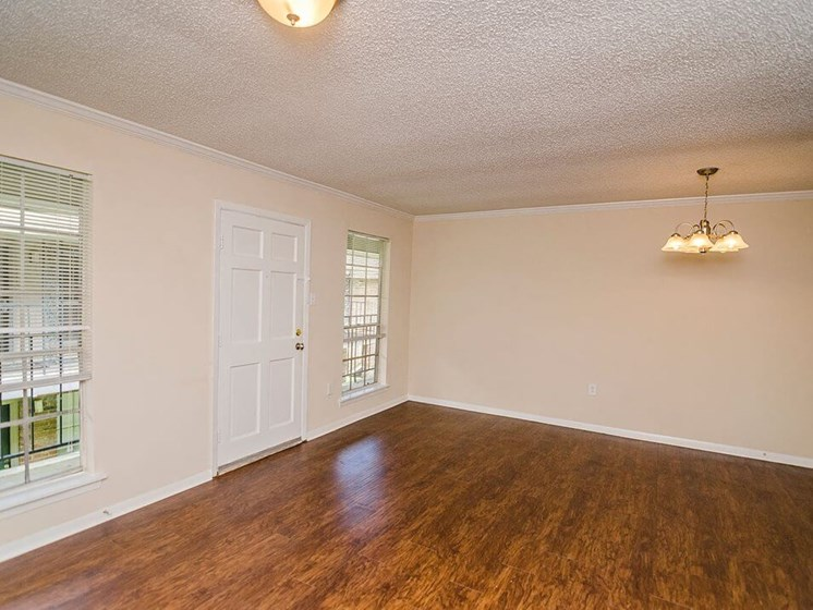 large living room in baton rouge apartments