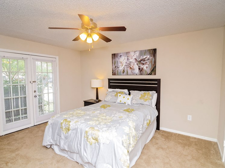 Bedroom with ceiling window at 21 South at Parkview Apartments in Baton Rouge, LA