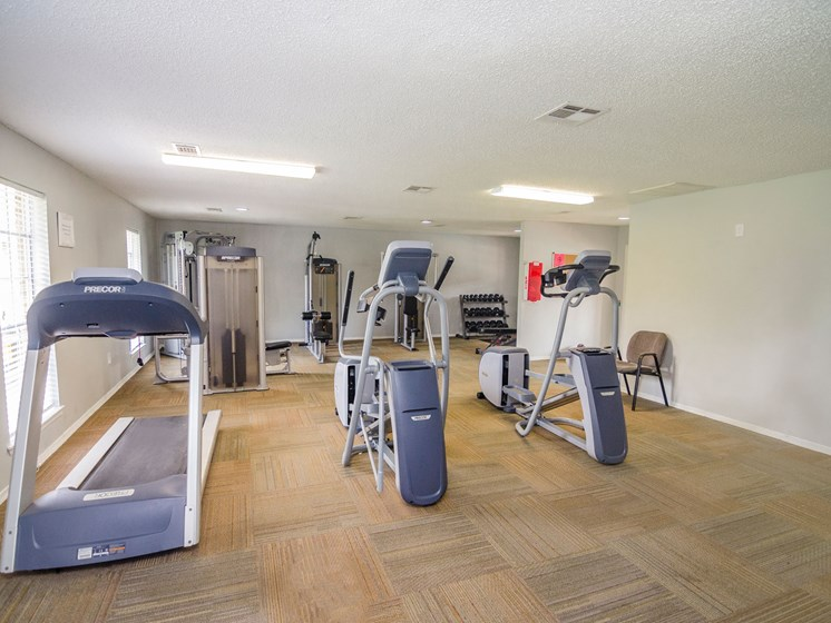 Exercise area at 21 South Parkview Apartments in Baton Rouge, LA
