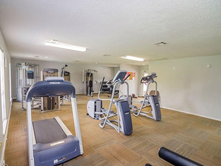 Fitness center at 21 South Parkview Apartments in Baton Rouge, LA