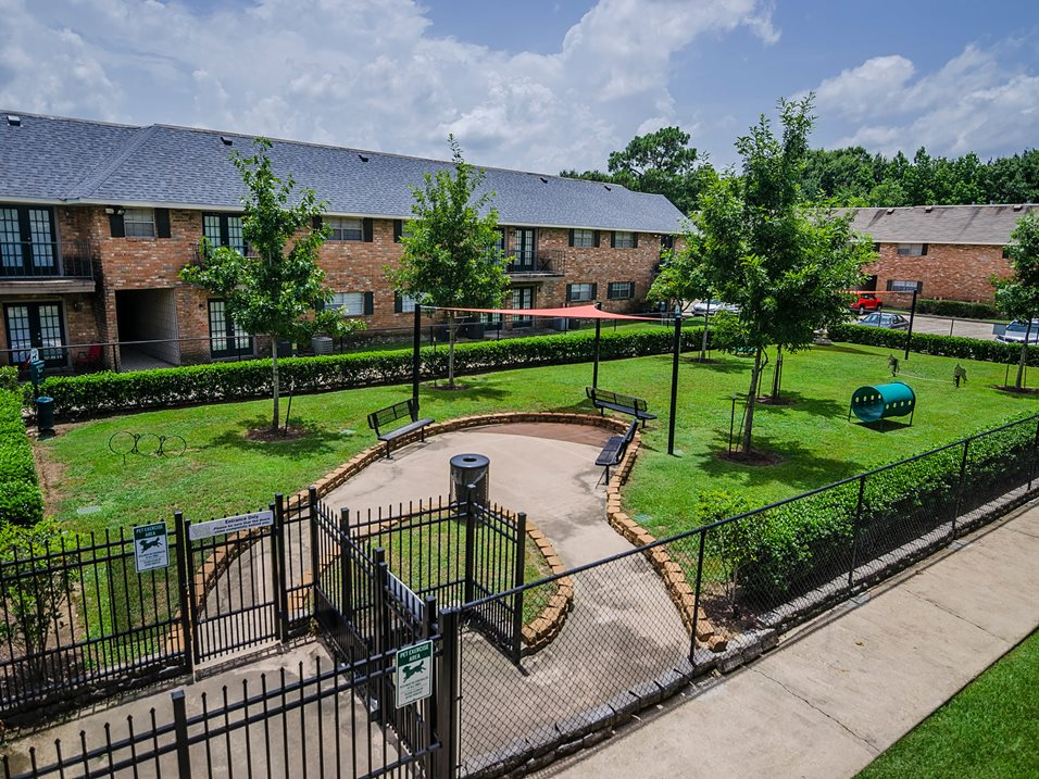 Photos and Video of 21 South Parkview in Baton Rouge, LA