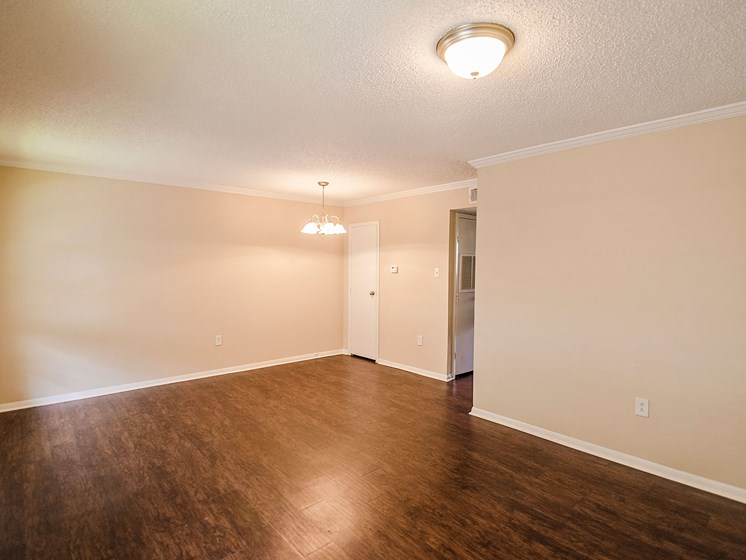 Wood floors in 21 South at Parkview Apartments in Baton Rouge, LA