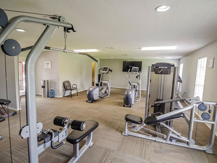 Exercise machines at 21 South Parkview Apartments in Baton Rouge, LA