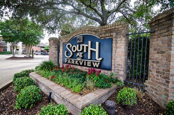 4944 S Sherwood Forest Blvd 1-3 Beds Apartment for Rent Photo Gallery 1