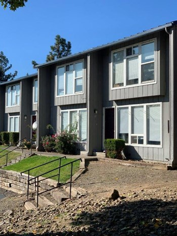 1850 Crater Lake Ave 1-3 Beds House for Rent Photo Gallery 1