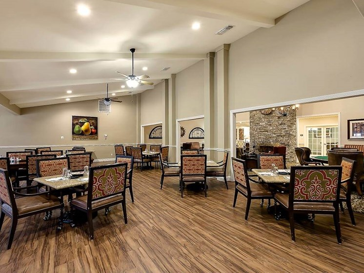Assisted Living Socializing at NewForest Estates, Texas