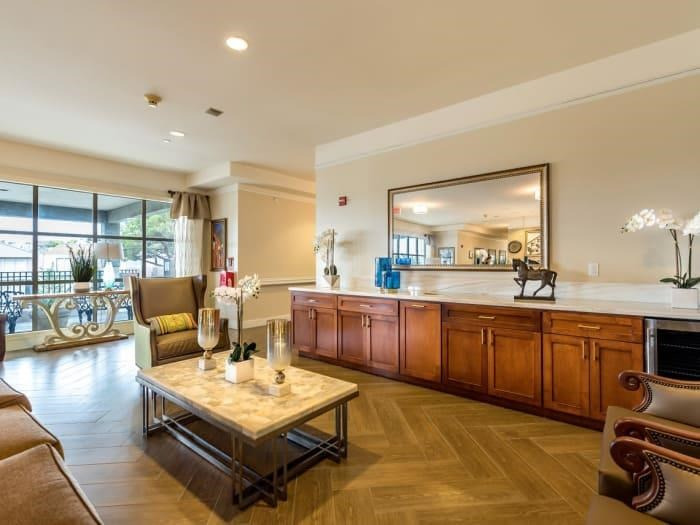 Sophisticated Living at Pacifica Senior Living Mission Villa, Daly City