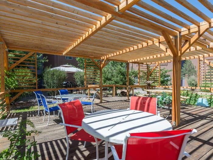 Covered Picnic Patio Space at Pacifica Senior Living Santa Fe
