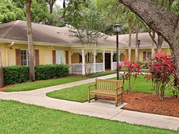 Beautiful Courtyard with Specially Designed Walking Paths for Our Residents at Pacifica Senior Living Belleair