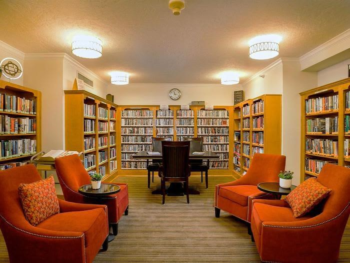 Reading Room Library at Pacifica Senior Living Calaroga Terrace, Portland, Oregon