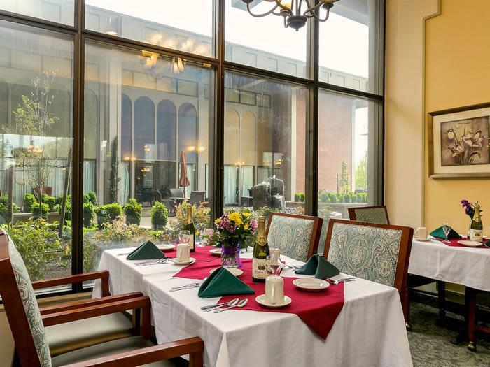 Dining Room Meal Plan at Pacifica Senior Living Calaroga Terrace, Portland, OR, 97232